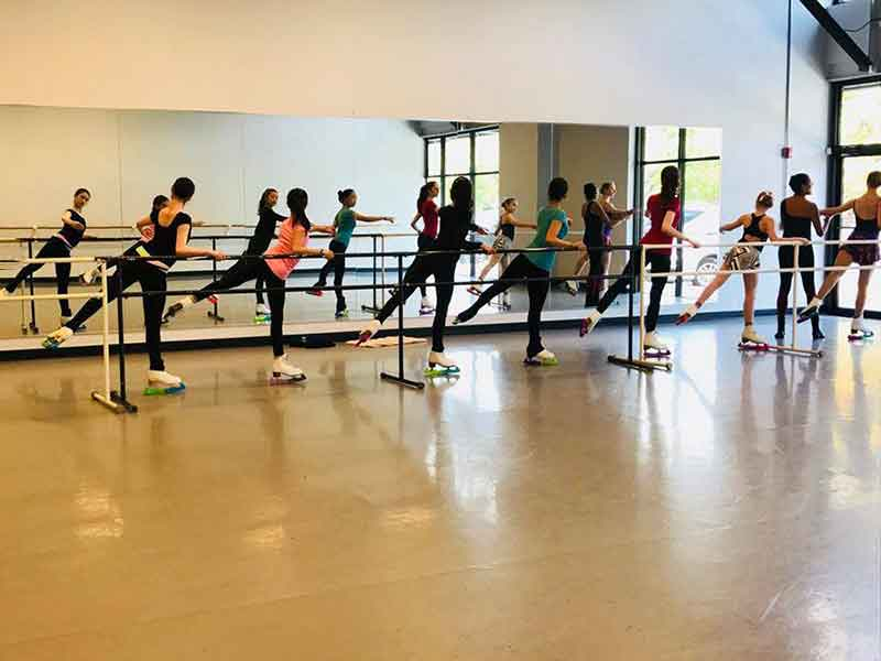 ballet-for-figure-skaters-taught-by-annette-thomas