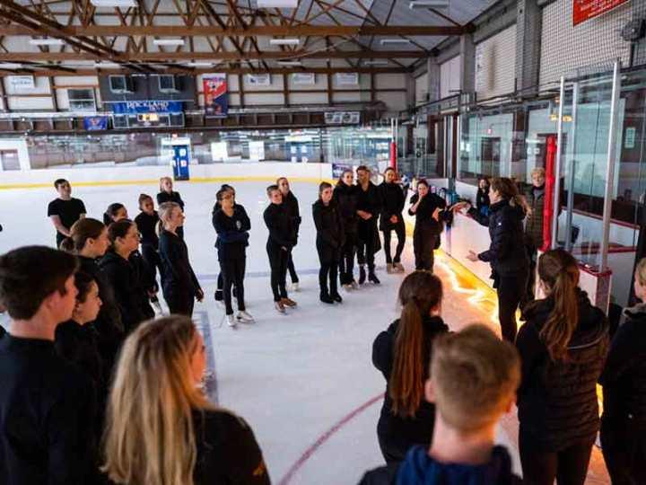 vitale-vaugin-teaching-on-ice-contemporary-skating-seminar